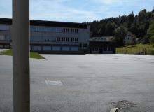 Vue de la cour du collège après pose de l'enrobé