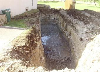 Terrassement pour pose fosses de traitement des eaux usées