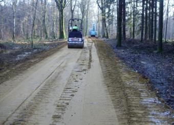 Chemin forestier par stabilisation du sol
