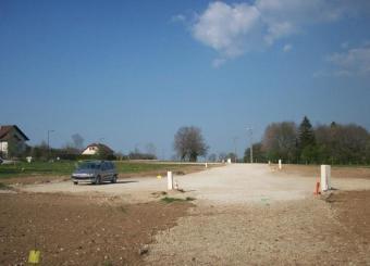 vue du lotissement avant les premiers travaux de terrassement de pavillon
