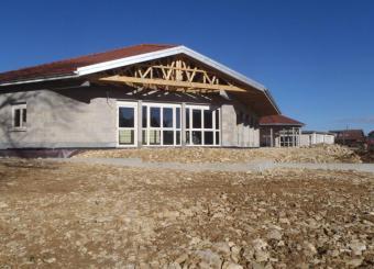 Vue du bâtiment avant travaux de finitions VRD