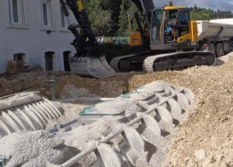 Phase enrobage des fosses avant remblaiement