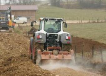 création chemins de desserte de ferme par traitement du sol en place